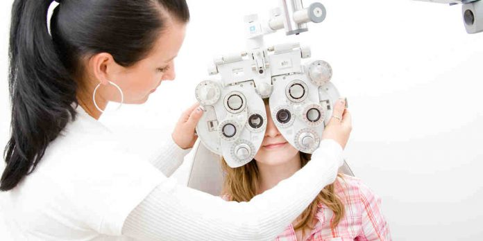 Best Eye surgeon in Delhi