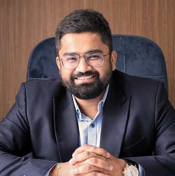 Dr. Kushal Shah, M Ch Neurosurgery, Brain & Spine Surgeon